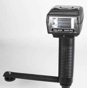flash elettronico | flash a torcia | come usare il flash | utilizzo del flash | flash Holgon genova